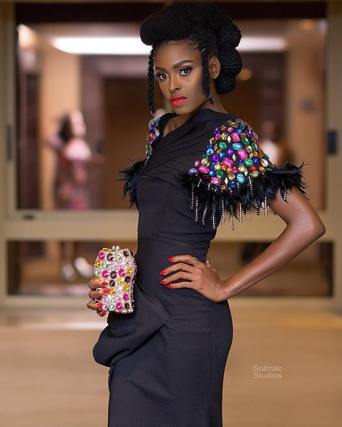 Gorgeous Fringe Owambe Styles Rocking The Internet!