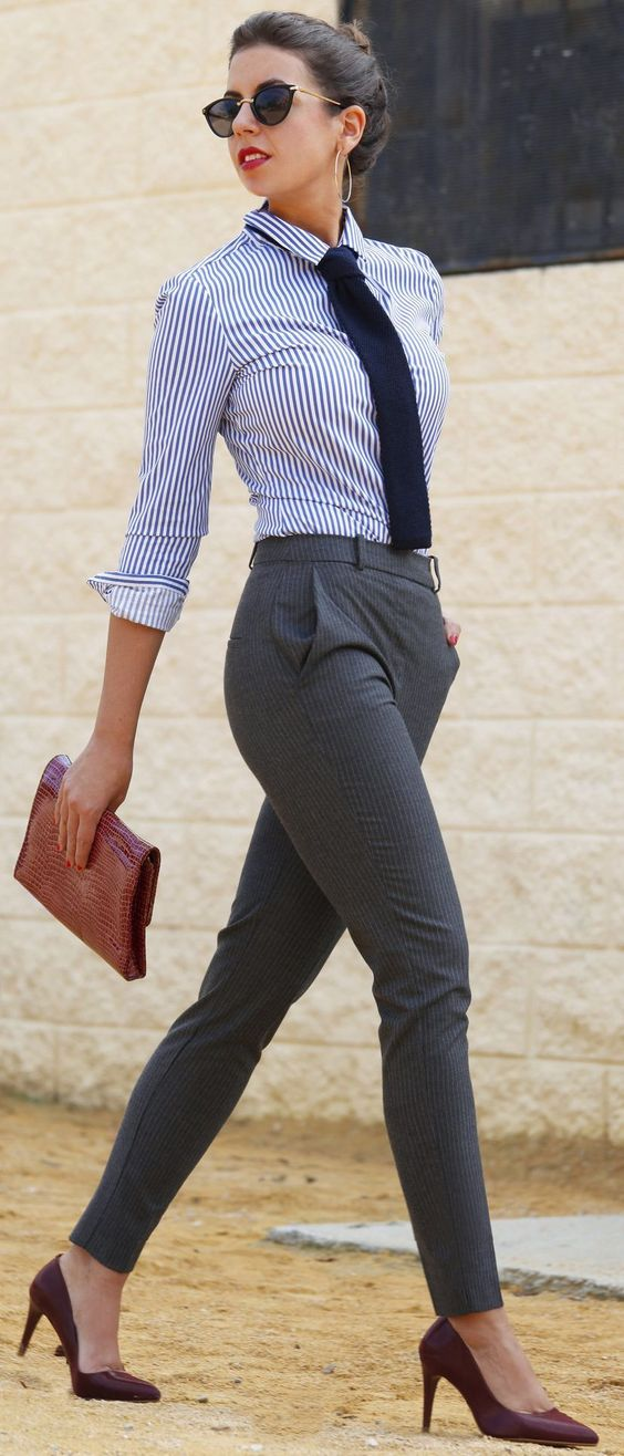 Sophisticated Work Outfits For the Chic And Fashionable Divas