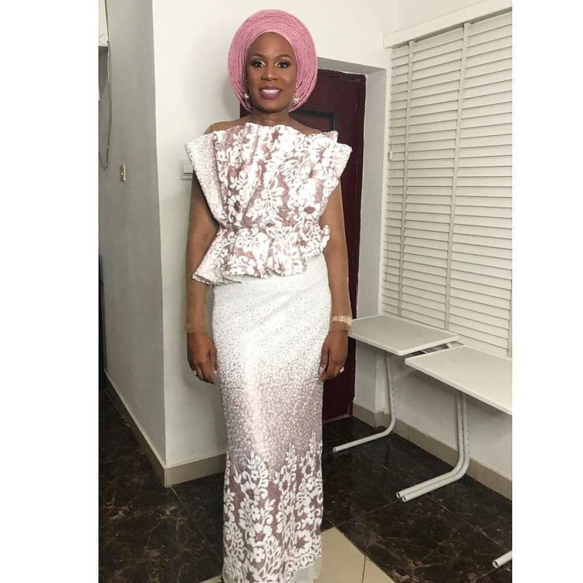 We Know Bomb Asoebi Styles When We See Them: Here Are Some!