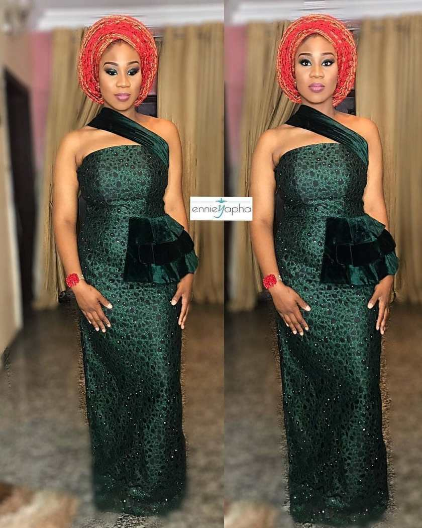 You'll Drool When You See These Popping Lace Asoebi Styles