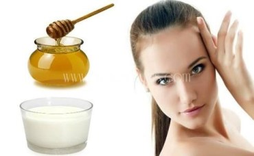 Honey And Milk Mask For Glowing Skin.