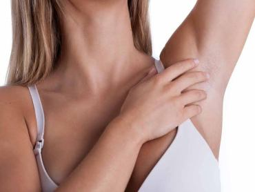 Breast Cancer Signs And Symptoms : How To Do Self Examination