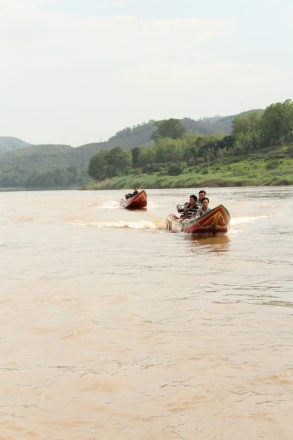 speedboat vs slowboat mekong river luang prabang