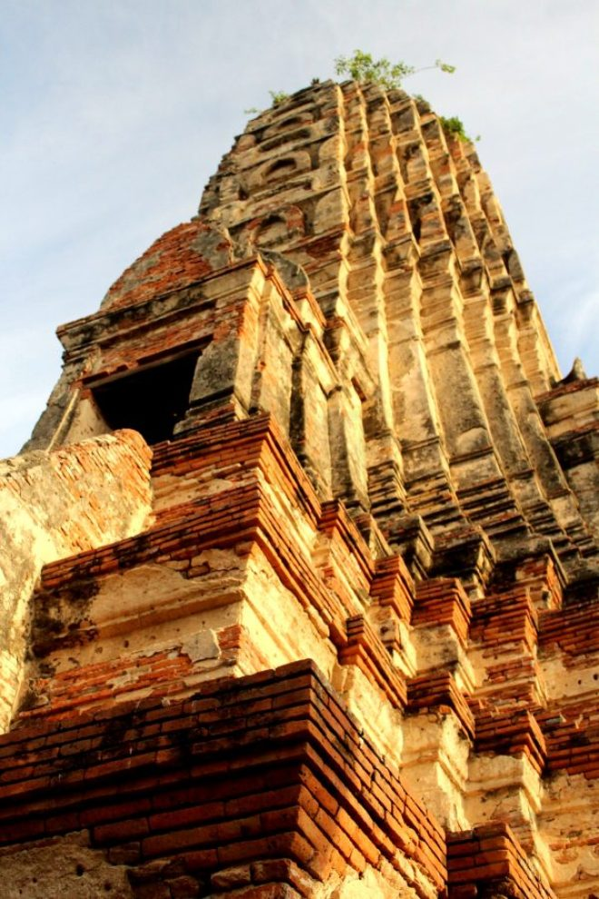 Breathtaking beauty of Wat Chai Watthanaram