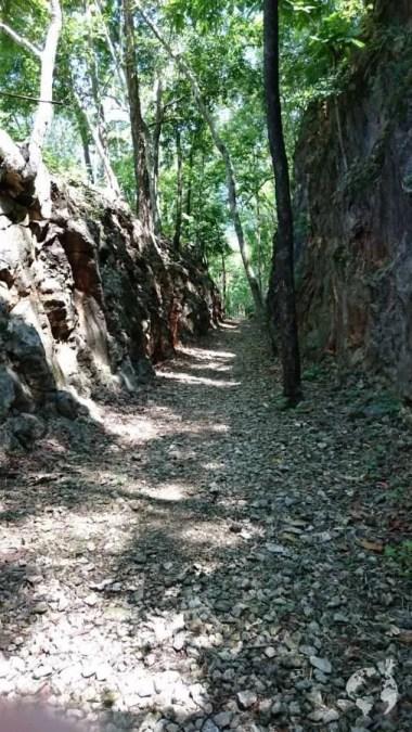 Tagli nella roccia Hellfire Pass Ferrovia della Morte Thailandia
