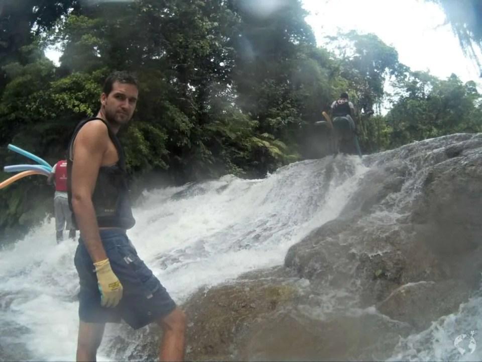 Lazy river tour village de santo