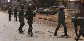 manifestation, bambéto, violences, affrontement, policiers, contestation, grève, barricade, guerre, école
