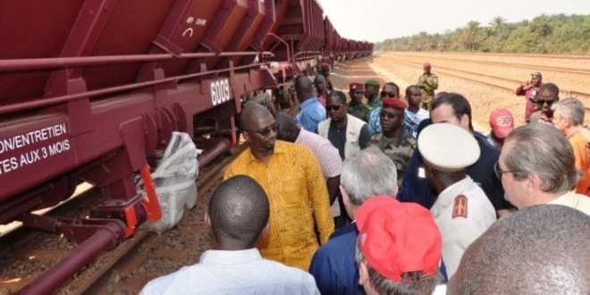 Abdoulaye Magassouba, ministre des mines et l'ambassadeur de Russie en visite sur le site projet Dian-Dian