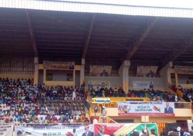 Accueil Alpha Condé au stade Saifoulaye de Labé