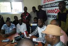 Des membres des forces sociales lors d'une réunion au siège de la PCUD