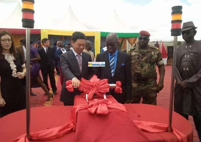 Le ministre d'Etat à la défense, Dr. Mohamed Diané lors de l'inauguration d'une usine de fabrication des explosifs