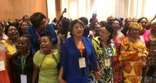 Des femmes membres de sections nationales du réseau des femmes leaders africaines