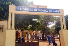 Entrée de l'hôpital régional de Labé