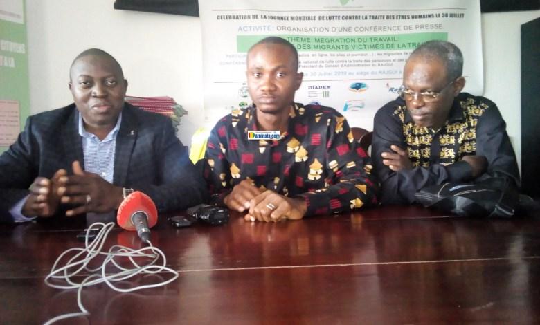 Dr. Alpha Abdoulaye Diallo et les membres de RAJ-GUI