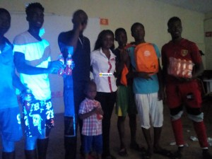 Prestation des artistes à la maison des jeunes de Nongo aménagée pour la CAN par Braguinée