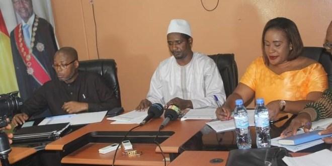 Mouctar Diallo préside une réunion avec des partenaires techniques et financiers