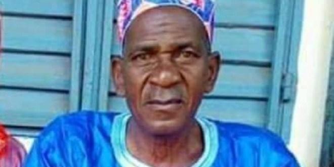 Ibrahima Sory Diallo plus connu sous le nom de maître Tintin pour l'amour qu'il avait de la bande dessinée de Hergé