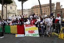 Manifestation des Guinéens d'Italie contre le tripatouillage de la constitution