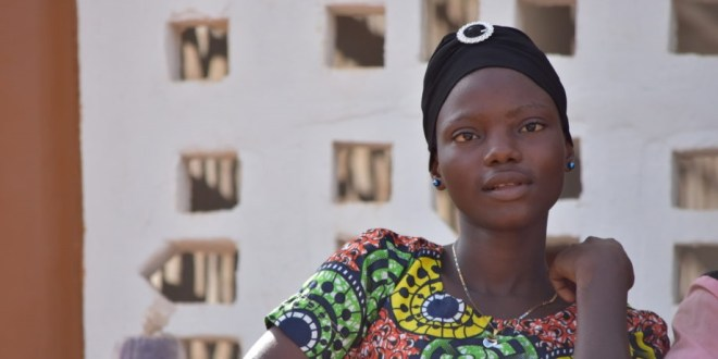 Une jeune fille africaine
