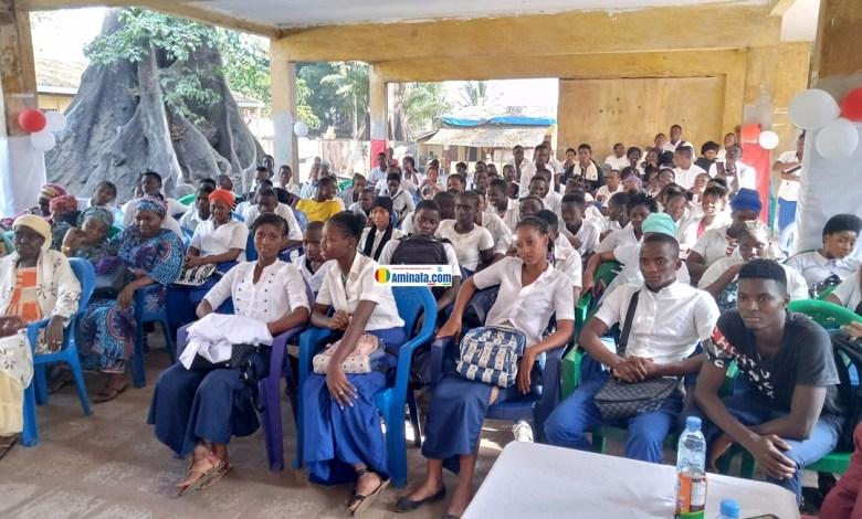 Des élèves de l'école Tombo 2