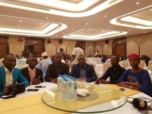 Nouhou Baldé, Alimou Sow, le personnel de Guineematin et certains amis lors de la remise du prix