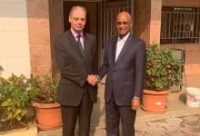 Cellou Dalein Diallo avec l'ambassadeur du Royaume-Uni en Guinée, David MCILROY,