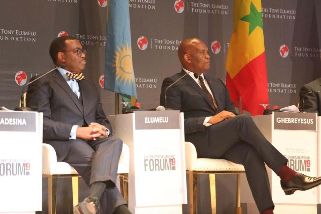 De droite à gauche Tony O.Elumelu, CON, Fondateur, de la Fondation Tony Elumelu et Akinwunmi Adesina, Président de la Banque africaine de développement (BAD)