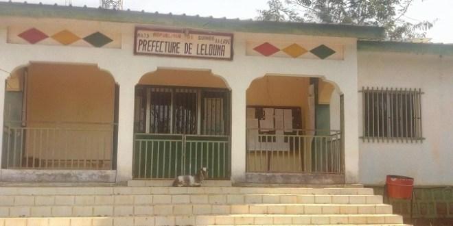 L'entrée des locaux de la préfecture de Lelouma