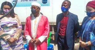 Papa Koly Kourouma, ministre de l'hydraulique et le Directeur Général de la SEG, Patrice Pépé Loua