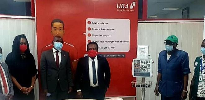 Lors de la remise de 2000 kits de dépistage, 20 lits d'hôpitaux et 3 respirateurs à L'ANSS par UBA Guinée