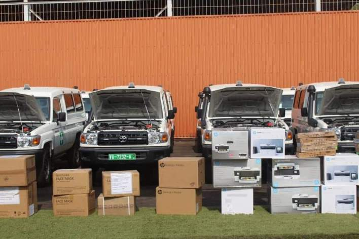ANSS 20 ambulances et du matériel de protection individuelle destiné aux équipes de terrain.