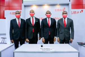 Le Directeur général adjoint, Nigeria, Ayoku Liadi, ; le Directeur général du Groupe UBA, Kennedy Uzoka ; le PCA du Groupe UBA, Tony Elumelu, et le Directeur général adjoint, UBA Afrique, Oliver Alawuba