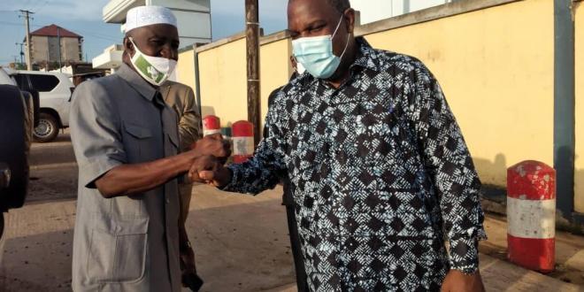 La mission de supervision de la couverture vaccinale, pilotée par le Ministre de la Santé en route pour l'intérieur du pays.