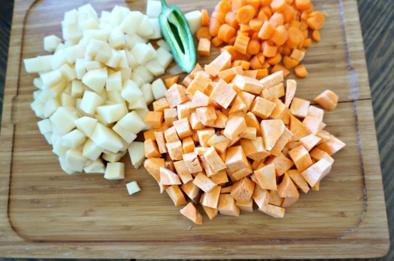 chopped-veggies-for-chicken-soup