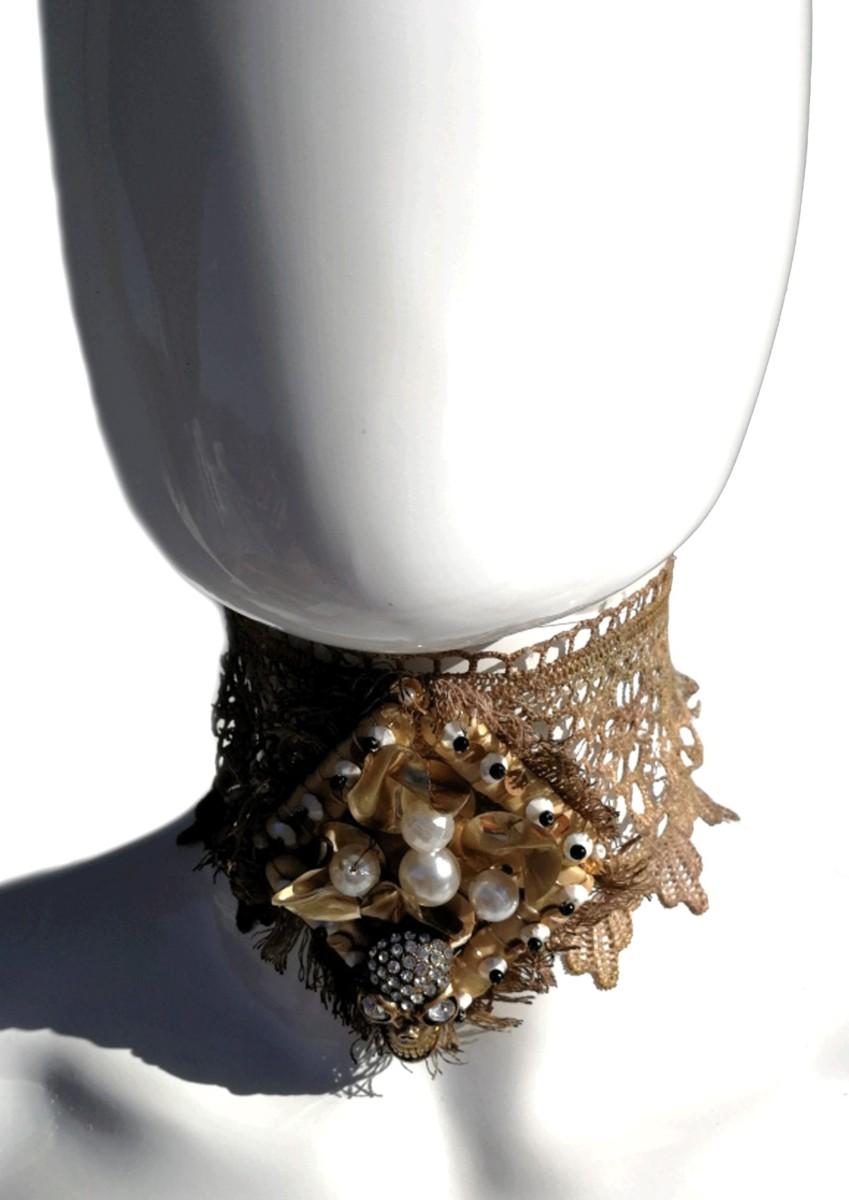 collare-macrame-con-perle