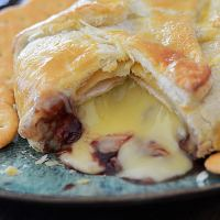 How To Make Baked Brie in Puff Pastry (en Croute)
