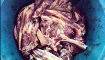 Daging kambing diperap sempurna.
