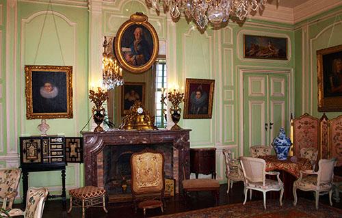 Intérieur du Chateau de Trelon_1