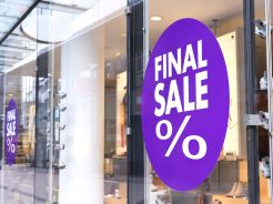 Final sale sign, sale at a shoes store. Shopping shoes. Store window.
