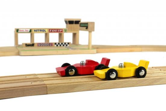 ikonic-toys-wooden-race-track (3)