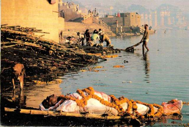 Hindu Death Rituals at Varanasi