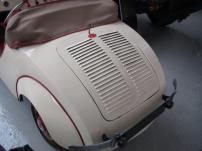 Rovin is een historisch merk van motorfietsen. Ets. R. de Rovin, Asnières, later Paris (1920-1934). Robert de Rovin was een bekende motor- driewieler- en autocoureur die veel modellen met 100- tot 248 cc tweetakten en 174- tot 499 cc viertakten bouwde. De blokken kwamen onder andere van JAP en MAG. In 1929 nam de Rovin San-Sou-Pap over en na 1945 bouwde hij kleine auto's.
