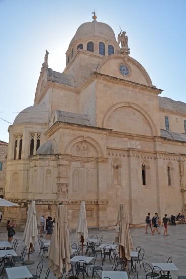 Kathedrale mit Bürgerköpfen