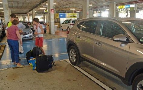 Abgabe Traumauto im Flughafen