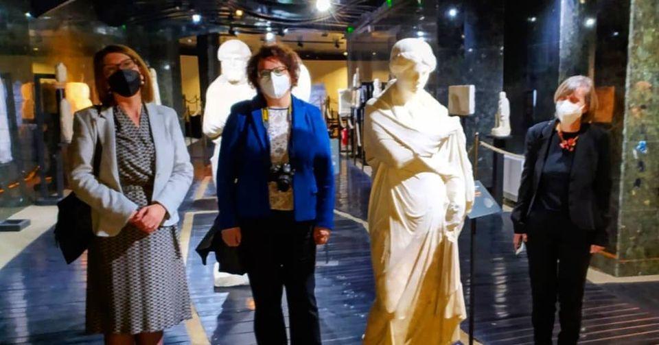 Delegacioni nga Greqia për vizitë në Muzeun arkeologjik dhe në Kurshumli an