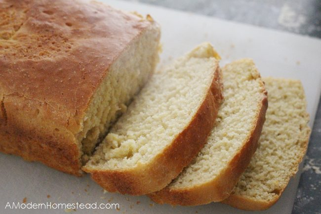 einkorn bread slices