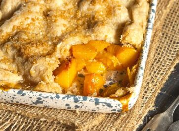 Homemade Southern Peach Cobbler