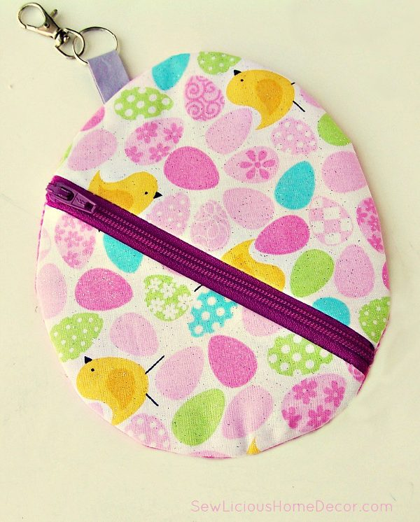 DIY Easter egg pouch with key chain and zipper