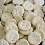 Sourdough crackers are a great way to give your family a healthy, easy to digest snack. Especially when those sourdough crackers are made with einkorn flour!