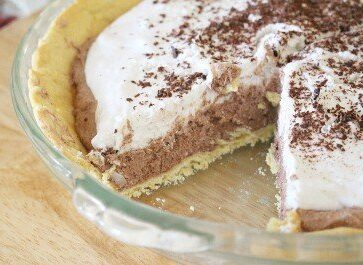 While a traditional french silk pie is full of dairy, eggs, and many other allergy triggers, this allergy friendly, dairy and egg free version is made with only 4 ingredients!